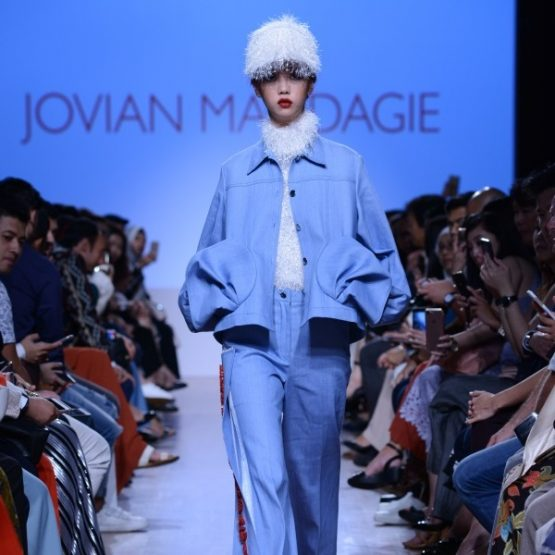 Jovian Mandagie SS18 - Against Barricades