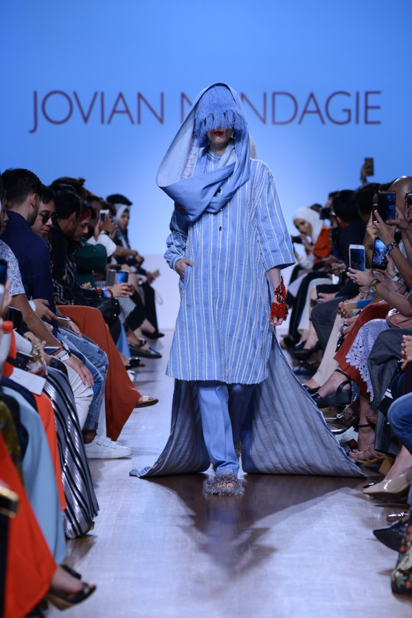 Jovian Mandagie SS18. Photograph courtesy of Singapore Fashion Week