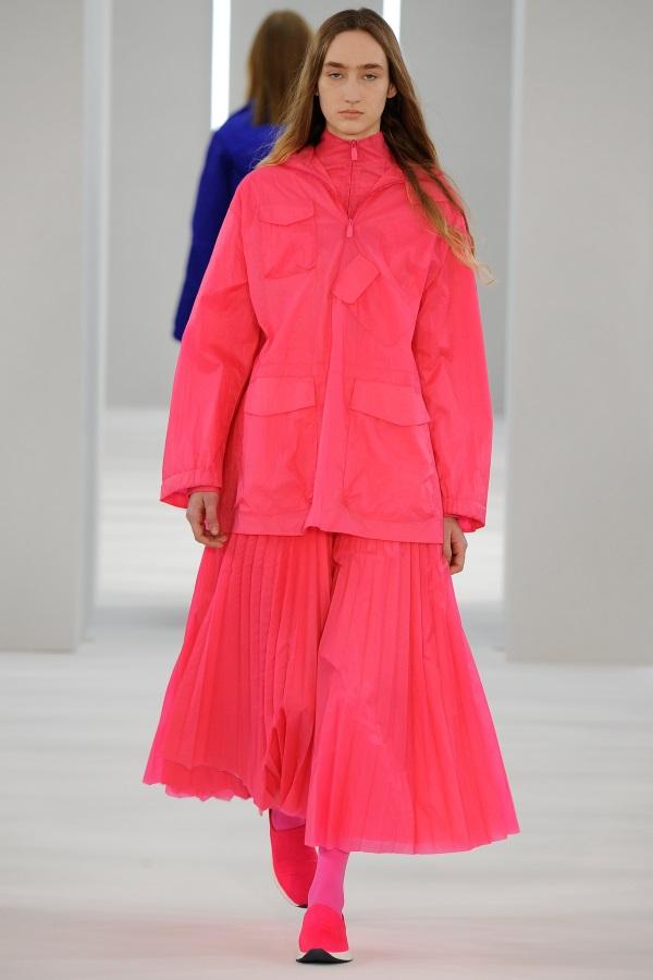 Jasper Conran AW18: Ultra Pink windproof smock, ultra pink funnel neck jacket, ultra pink sunray pleat skirt