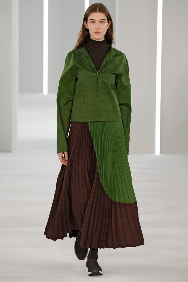 Jasper Conran AW18: Forest Green hooded jacket, brown and green circle geometric sunray pleat skirt