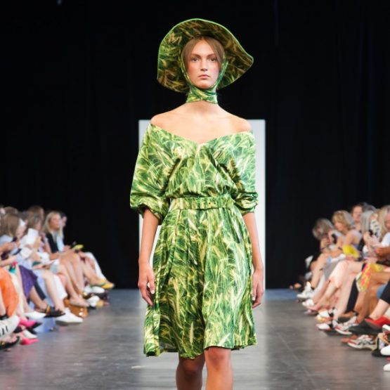 Morten Ussing SS19 - Flowers and Straw