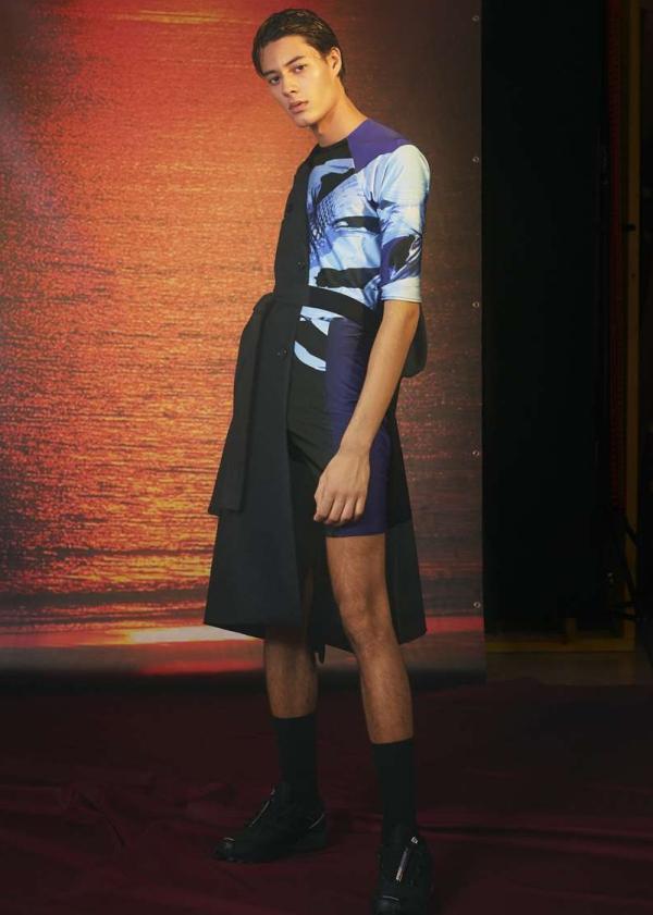 Sea theme evoke through sportswear details. Le Studio Pierre SS19